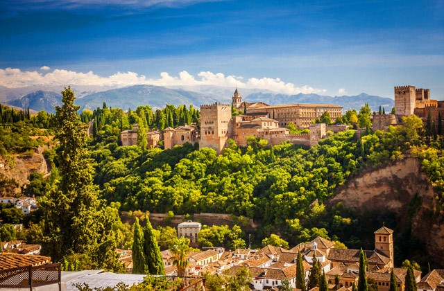 Andalucía supera en verano sus mejores cifras turísticas,con 7,9 millones de viajeros alojados y 25,3 de estancias