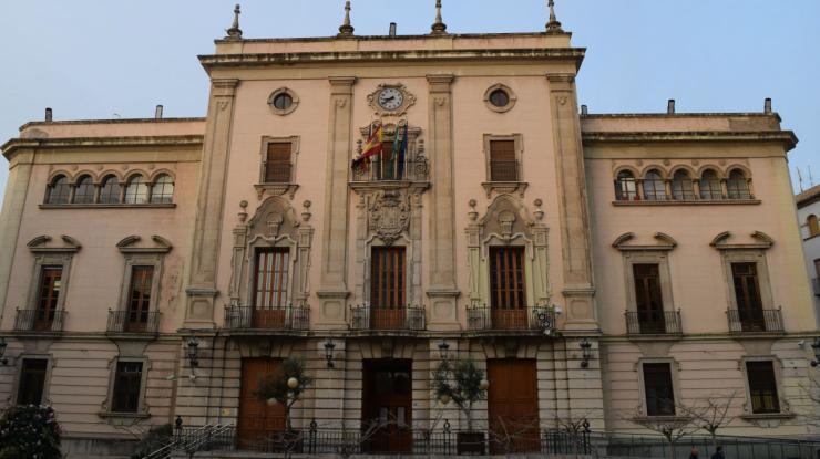 El Ayuntamiento de Jaén recuerda a Reyes que 'la ley es igual para todos y que los técnicos están examinando el proyecto' del centro de turismo