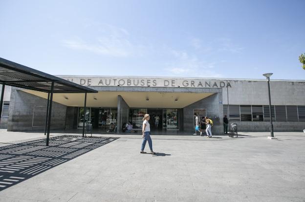 El Ayuntamiento de Granada inaugura la renovada estación de Autobuses