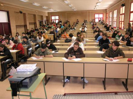 España registra la tasa de abandono escolar más baja de la última década