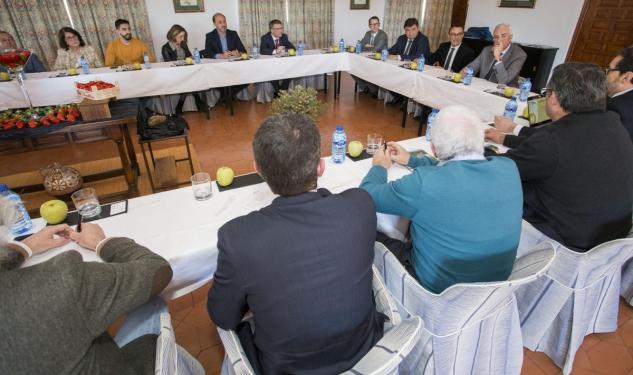 Ayuntamiento de Huelva y la Diputación suman fuerzas con el sector turístico