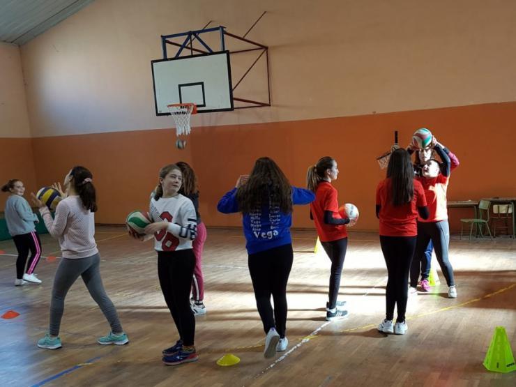Los Juegos Escolares llevaron a Arévalo una jornada técnica de voleibol y competiciones de fútbol sala