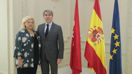 Ángel Garrido asiste a la toma de posesión de Ángeles Pedraza