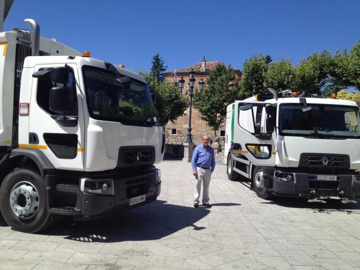 Dos nuevo vehículos para reforzar el servicio de limpieza en El Escorial