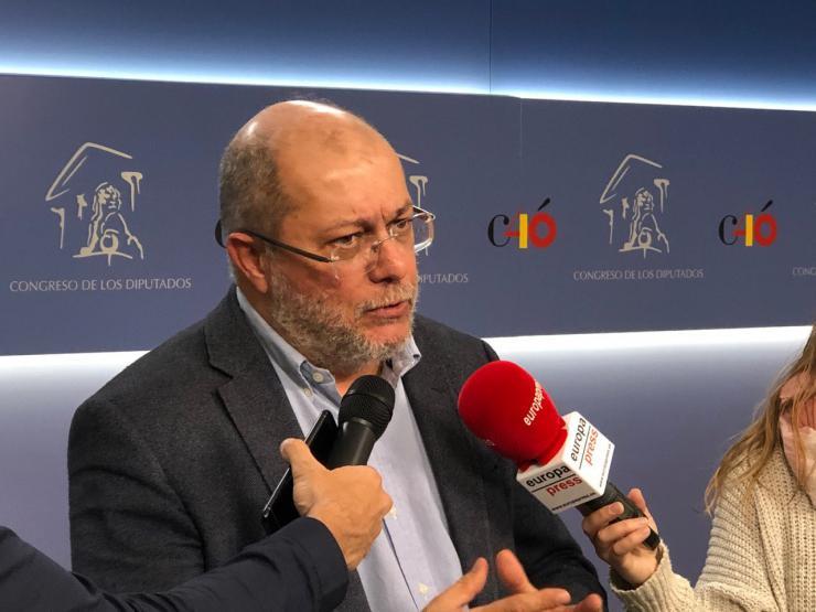 Francisco Igea: 'Si no se garantizan los cuidados paliativos no se puede proponer la eutanasia'