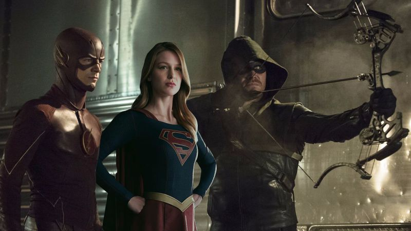 Supergirl junto a Arrow y The Flash
